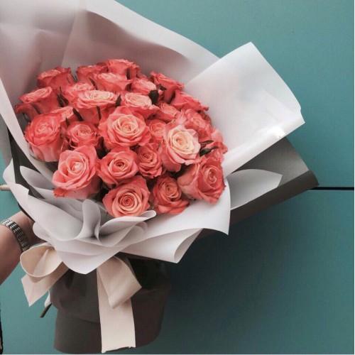 Купить на заказ Букет из 31 розовой розы с доставкой в Шахтинске