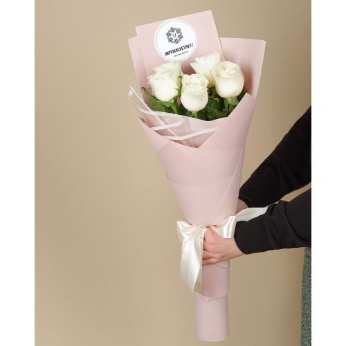 Купить на заказ Букет из 5 роз с доставкой в Шахтинске