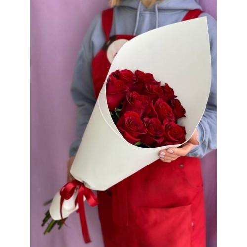 Купить на заказ Букет из 11 красных роз с доставкой в Шахтинске