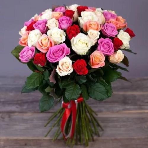 Купить на заказ Букет из 31 розы (микс) с доставкой в Шахтинске